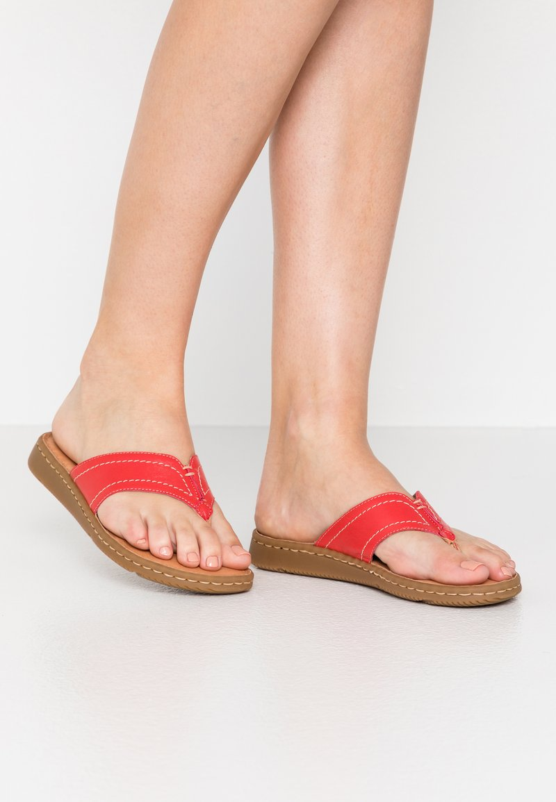Jana - SLIDES - T-bar sandals - chili