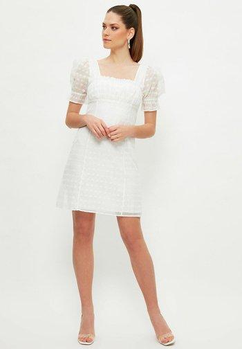 Vestido de tubo - white