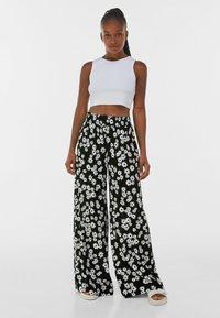 Bershka - Pantalon classique - black/white - 1