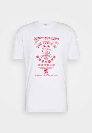 SRIRACHA HOT LOGO TEE - Print T-shirt - white