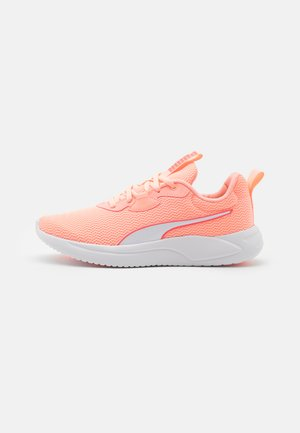 RESOLVE METALLIC - Neutral running shoes - elektro peach/ignite pink