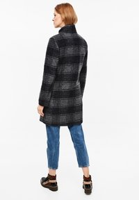 s.Oliver - MANTEL - Classic coat - navy check - 2