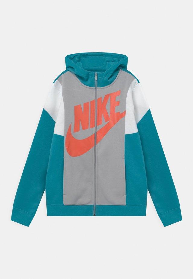 CORE AMPLIFY - Zip-up hoodie - aquamarine/wolf grey/white/turf orange