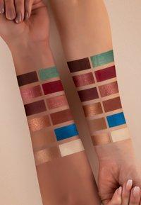 Luvia Cosmetics - SECRET OF AMIRA EYESHADOW PALETTE - Eyeshadow palette - - - 5