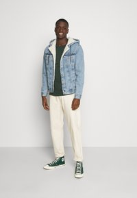Jack & Jones - JJIJEAN JJJACKET HOOD - Chaqueta vaquera - blue denim - 1