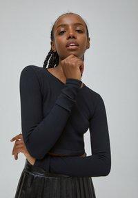 PULL&BEAR - Long sleeved top - black - 3