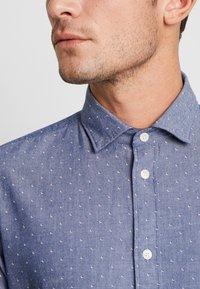 Selected Homme - SLHSLIMMARK WASHED - Formal shirt - dark blue - 5