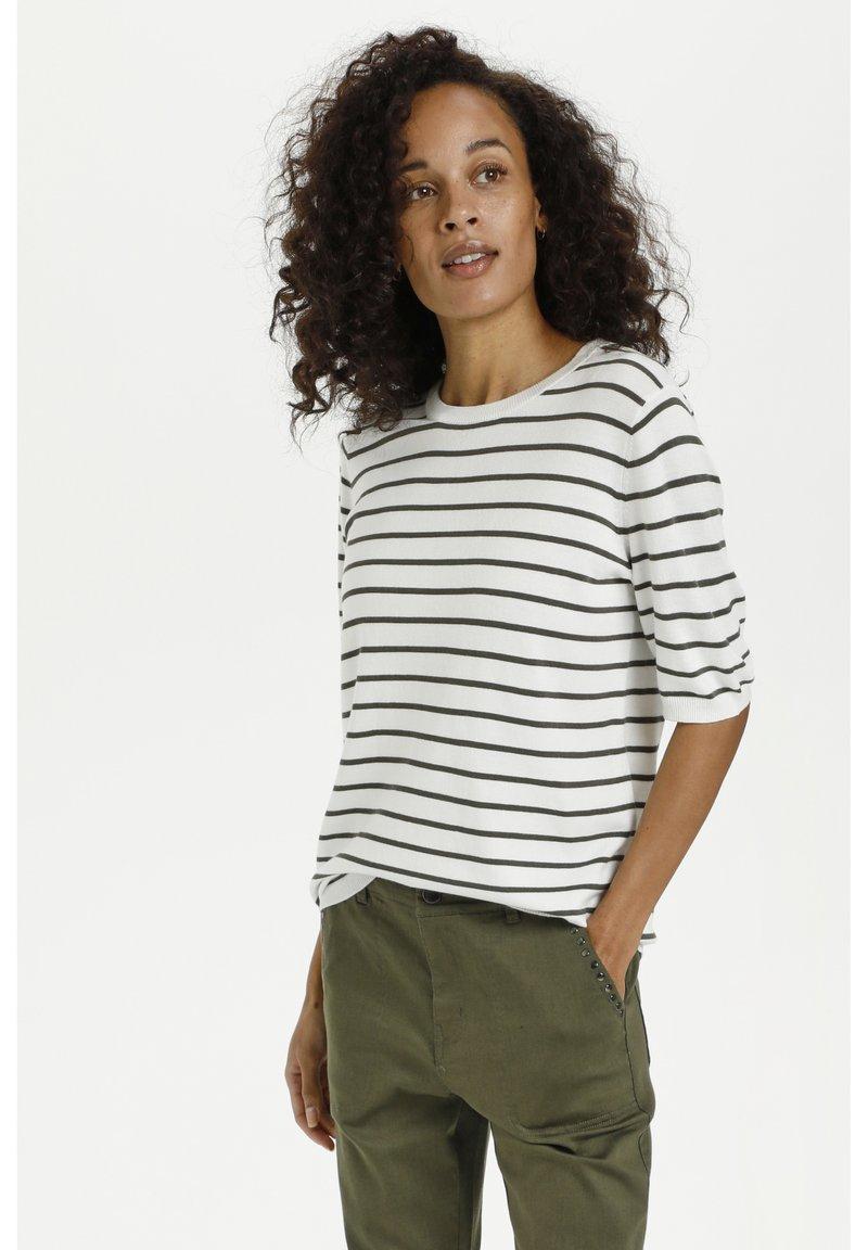 Kaffe - Print T-shirt - chalk/ grape leaf stripes