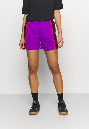 NBA TORONTO RAPTORS WOMENS JUMP SHOT SHORT - Sports shorts - purple