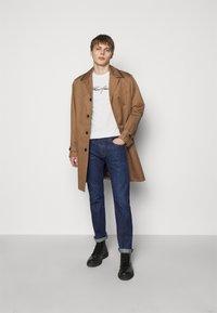 Emporio Armani - POCKETS PANT - Jeans slim fit - dark blue - 1
