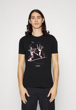 OK  - T-shirt med print - black