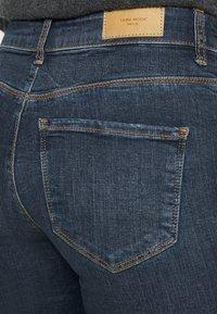 Vero Moda Petite - VMSEVEN  - Slim fit jeans - dark blue denim - 4