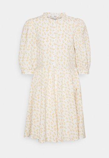 OBJBAREEN DRESS  - Vestido camisero - sandshell/shrimp