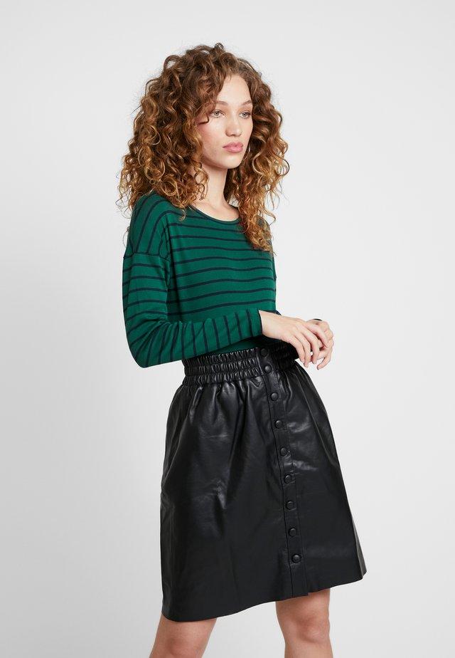 MOLA - Langærmede T-shirts - richmond green