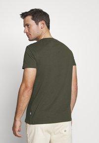 Pier One - T-shirts basic - olive - 2
