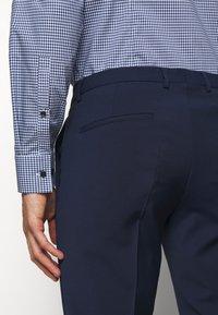 HUGO - HESTEN - Pantaloni eleganti - open blue - 3