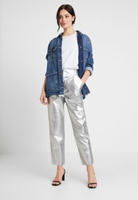 Nly by Nelly - FREE PANTS - Trousers - silver - 1