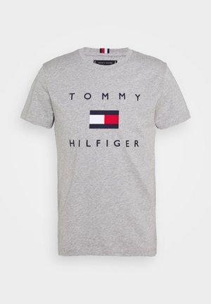 FLAG TEE - Camiseta estampada - grey