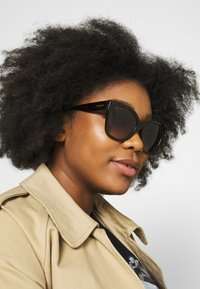 VOGUE Eyewear - Sunglasses - brown - 1