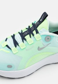 Nike Performance - REACT ESCAPE RN - Neutral running shoes - teal tint/metallic silver/ghost aqua/off noir/particle grey - 5