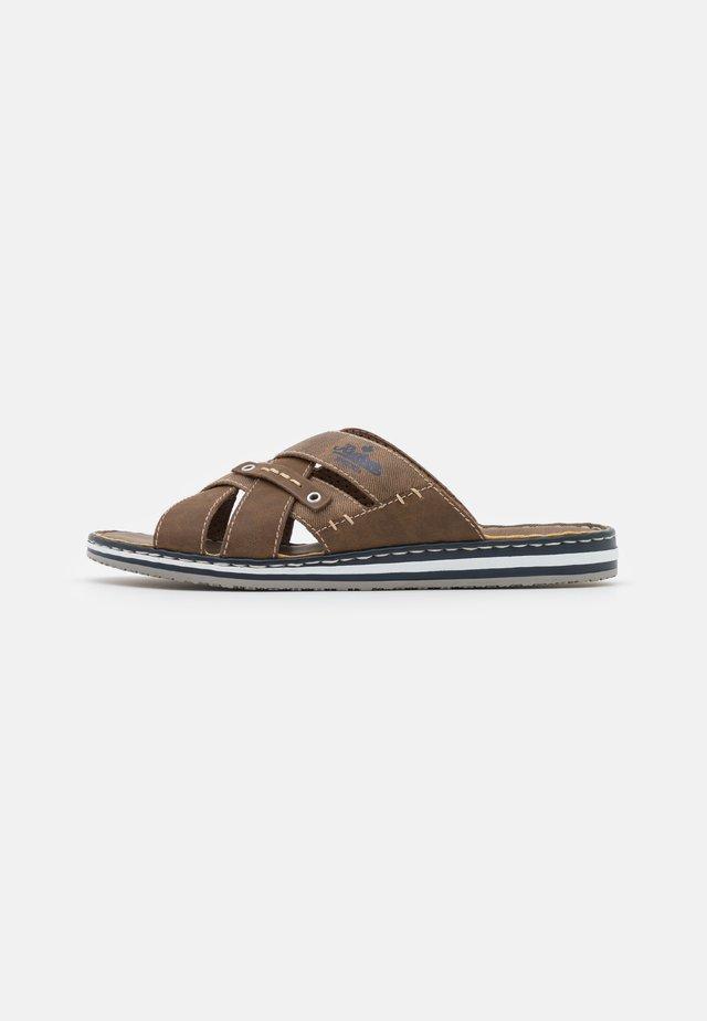 Pantofle - zimt/reh
