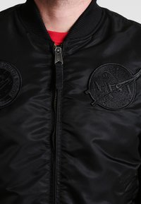 Alpha Industries - NASA - Bomber Jacket - all black - 3