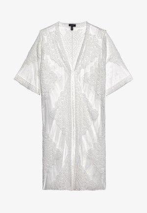 MADDIE KIMONO - Summer jacket - white