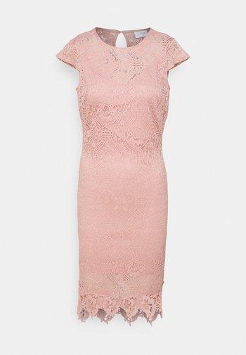 VIEDELLE CAPSLEEVE DRESS PETITE - Vestido de tubo - misty rose