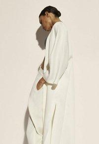 Massimo Dutti - Tunn jacka - white - 2