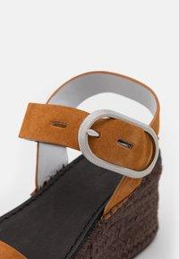 rag & bone - ANSLEY BUCKLE  - Sandály na platformě - cognac - 6