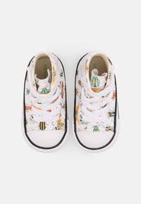 Converse - CHUCK TAYLOR ALL STAR BUGGED OUT HI UNISEX - Sneakers hoog - white/natural ivory/black - 3