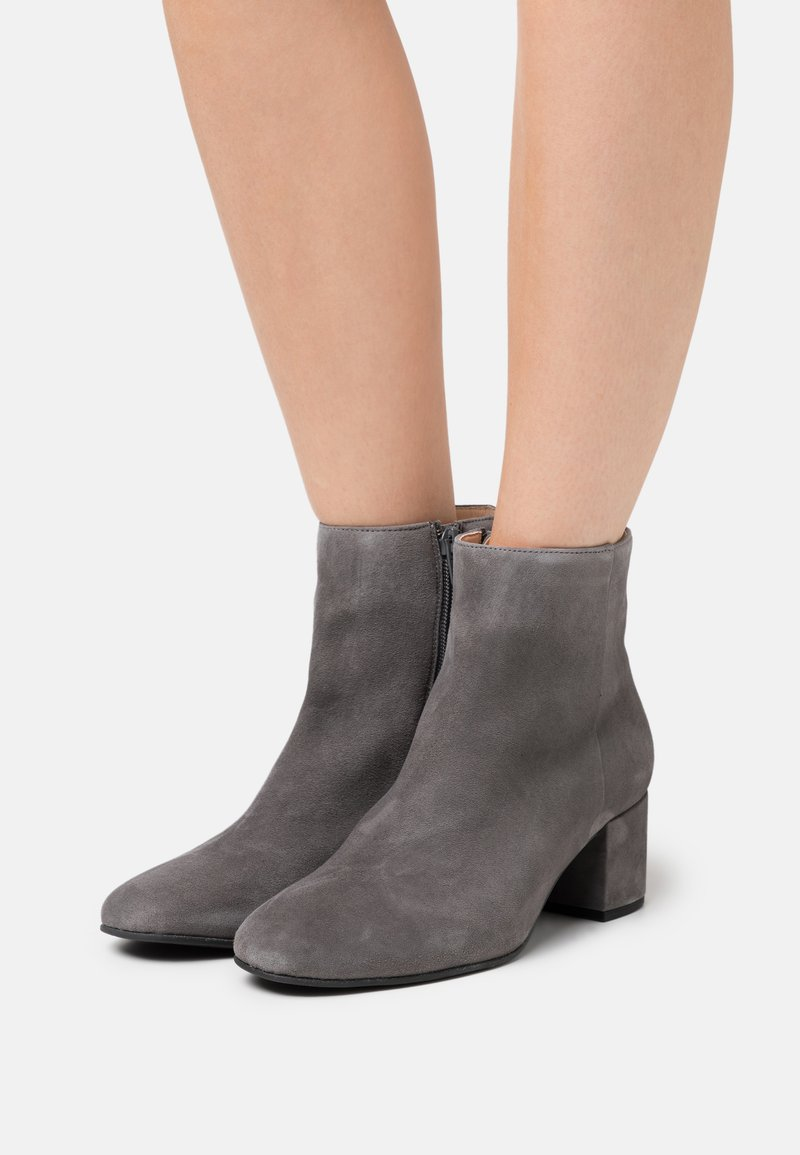 Högl - Classic ankle boots - grey