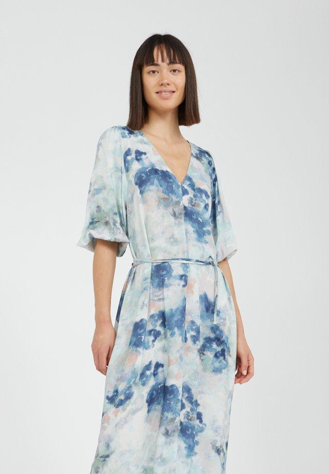 TYRAA - Maxi-jurk - foggy blue