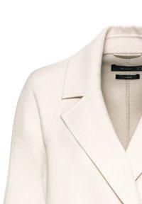 HALLHUBER - Classic coat - creme - 4