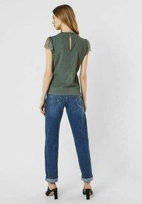 Vero Moda - Print T-shirt - laurel wreath - 2