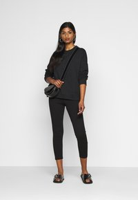 Even&Odd Petite - Sweatshirts - black - 1