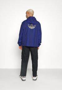 adidas Originals - WINDBREAKER - Giacca leggera - victory blue/black - 3