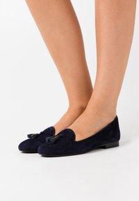 Chatelles - CLASSIC - Nazouvací boty - navy blue - 0