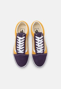 Vans - OLD SKOOL UNISEX - Trainers - honey gold/purple - 3