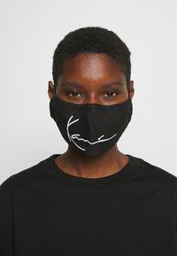 Karl Kani - SIGNATURE FACE MASK - Community mask - black - 0