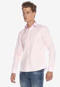 Cipo & Baxx - HECTOR - Formal shirt - pink - 4