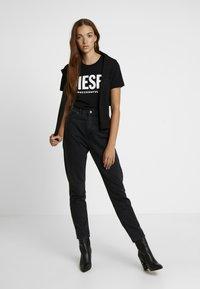 Diesel - T-SILY-WX MAGLIETTA - Print T-shirt - black - 1