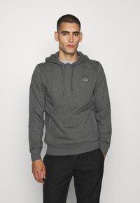 Lacoste Sport - CLASSIC HOODIE - Bluza z kapturem - pitch chine/graphite sombre - 0