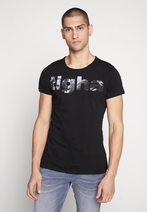 TIGHA LOGO WAVES - Print T-shirt - black