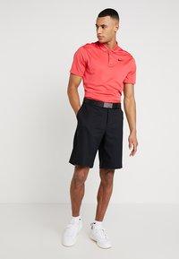 Nike Golf - FLEX SHORT ESSENTIAL - Pantalón corto de deporte - black - 1