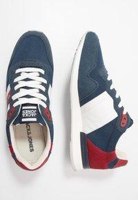 Jack & Jones - JFWSTELLAR - Sneakersy niskie - majolica blue - 1