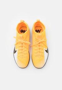 Nike Performance - MERCURIAL JR 7 ACADEMY IC UNISEX - Halové fotbalové kopačky - laser orange/black/white - 3