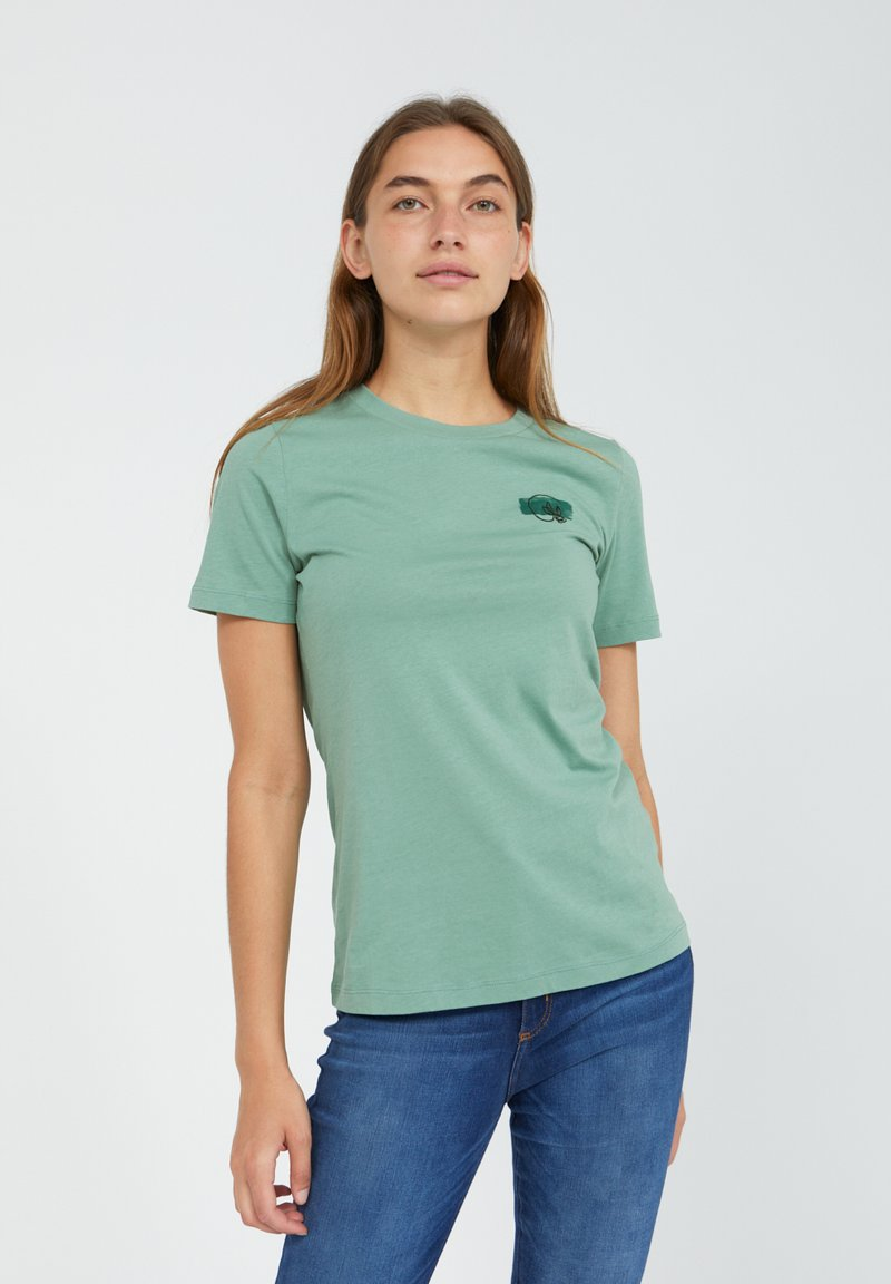 ARMEDANGELS - LIDAA ELEMENTS - Print T-shirt - matcha