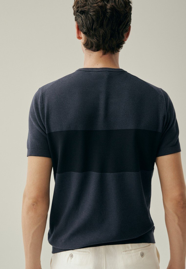 Duża obniżka Gorąca wyprzedaż Massimo Dutti T-shirt z nadrukiem - blue-black denim | Odzież męska 2020 DFm9v