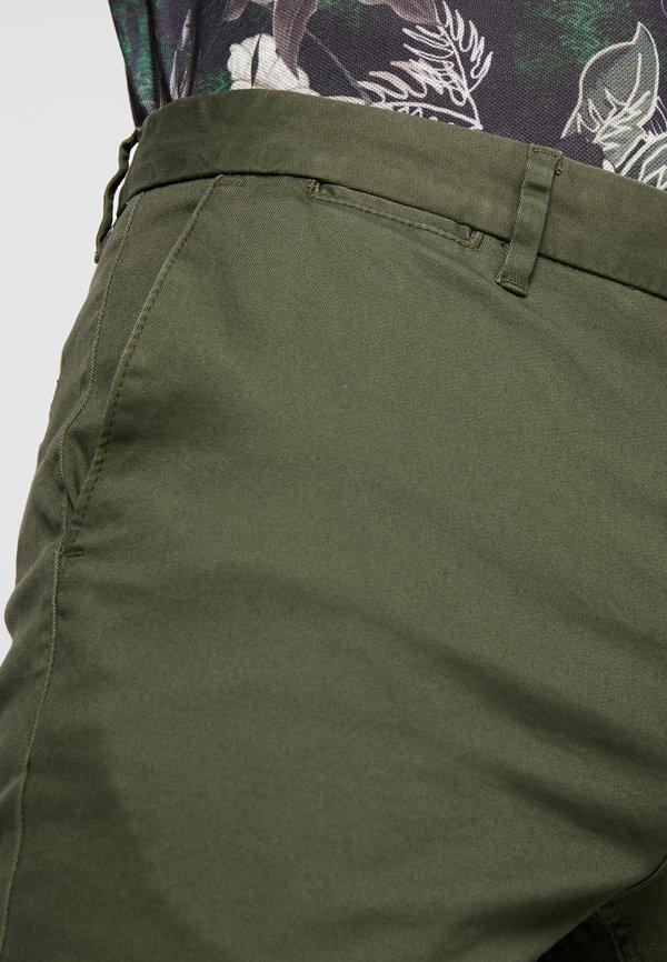 Scotch & Soda MOTT CLASSIC SLIM FIT - Chinosy - military/ciemnozielony Odzież Męska LMOC
